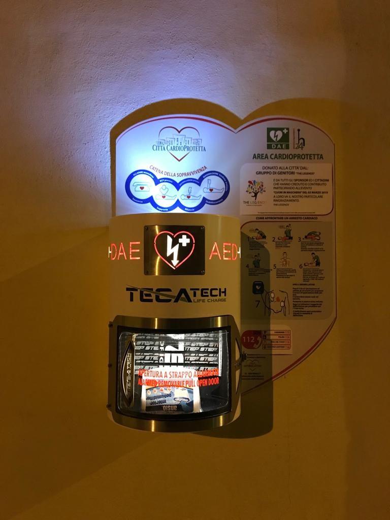 Teca per Defibrillatori da esterno. IP 65  Il meglio sul mercato per proteggere nel tempo il tuo Defibrillatore dalle intemperie e agenti atmosferici.